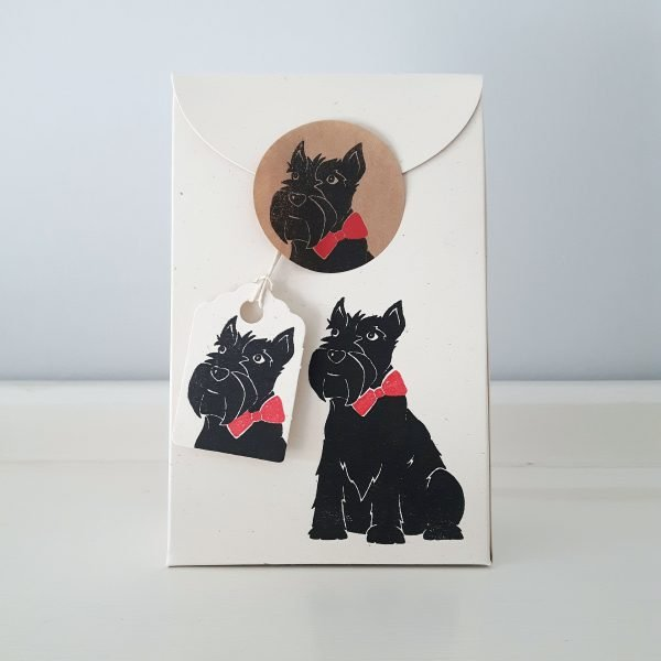scottie dog gift box, sealed. Cream scottish terrier print mini gift box, with matching gift tag, sealed with kraft sticker.