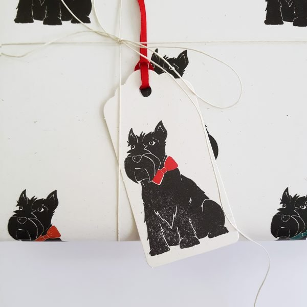 scottie dog gift wrapping idea close up