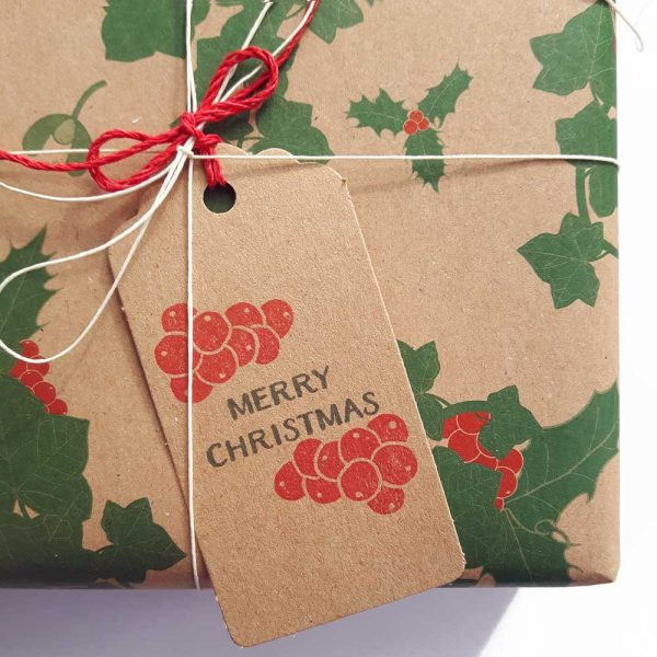 Holly gift tag - borwn tag with 'Merry Christmas' in green, and red berries